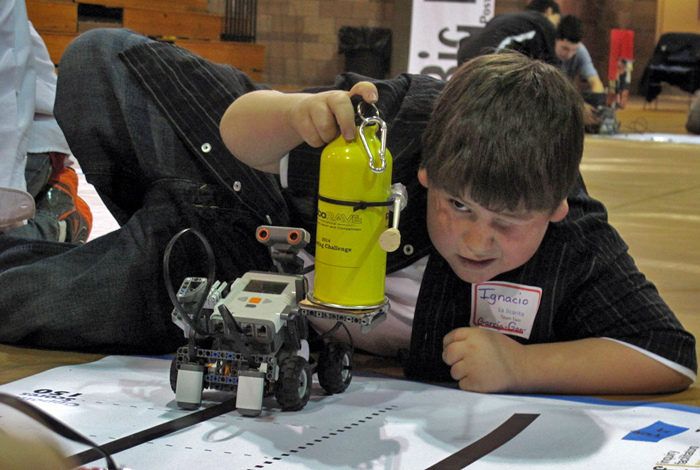RoboRave Rally tests Northern New Mexico students' vicious thinking, teamwork skills